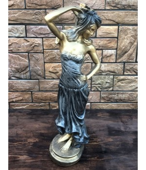 Статуэтка «Женщина»
