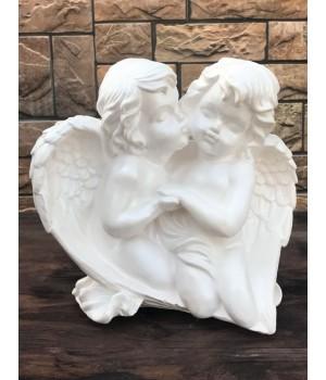 Статуэтка «Ангелы целуются»