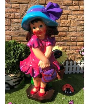 Садовая фигура Девочка с сумкой