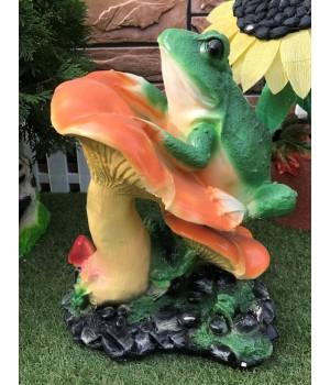 Садовая фигура Гриб с лягушкой