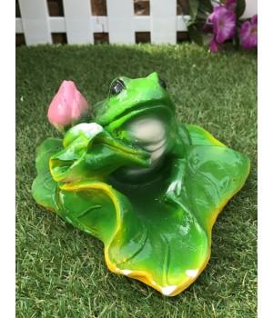 Садовая фигура Жаба на кувшинке