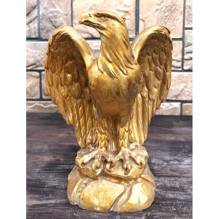 Статуэтка орла со сложенными крыльями