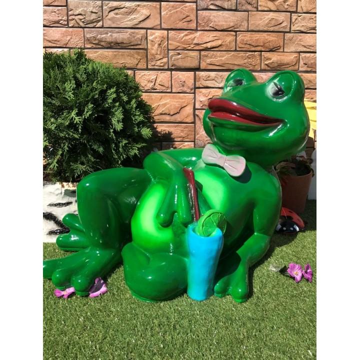 Садовая фигура Лягушка лежит