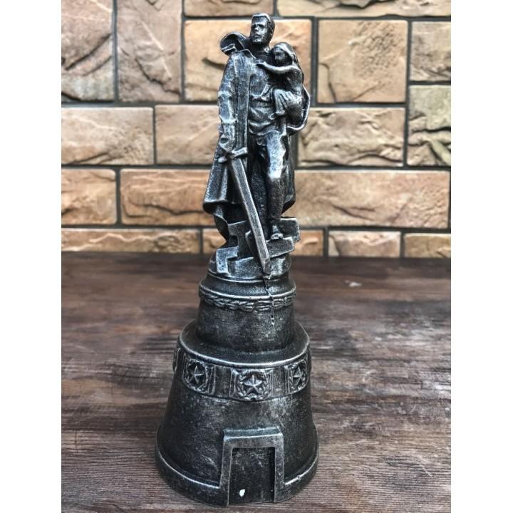 Статуэтка воина-освободителя