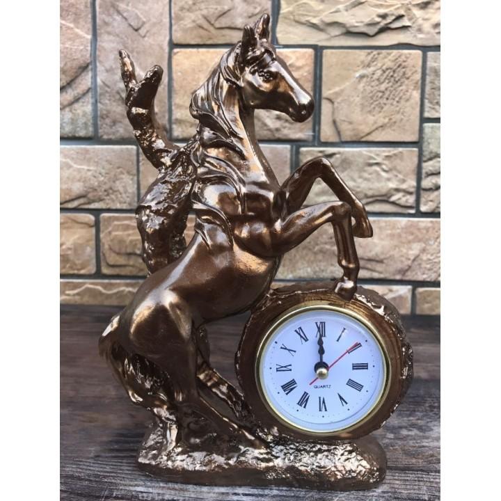 Настольные часы «Конь»