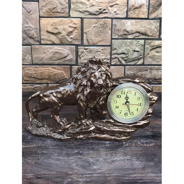 Настольные часы-статуэтка «Лев»