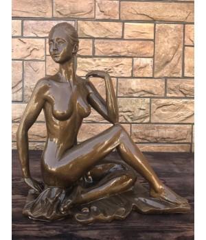 Статуэтка «Голая девушка»