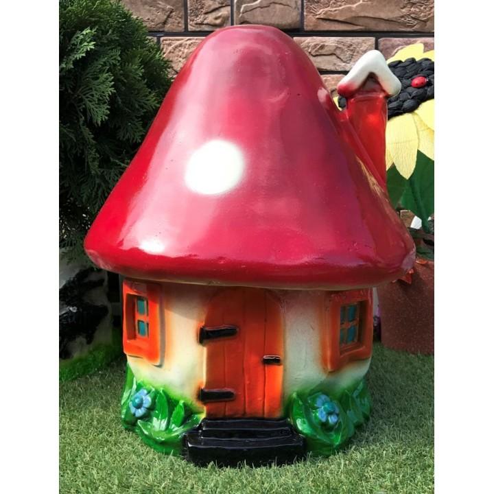 Садовая фигура в форме домика
