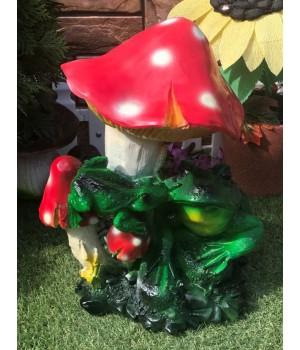 Садовая фигура Гриб с лягушками