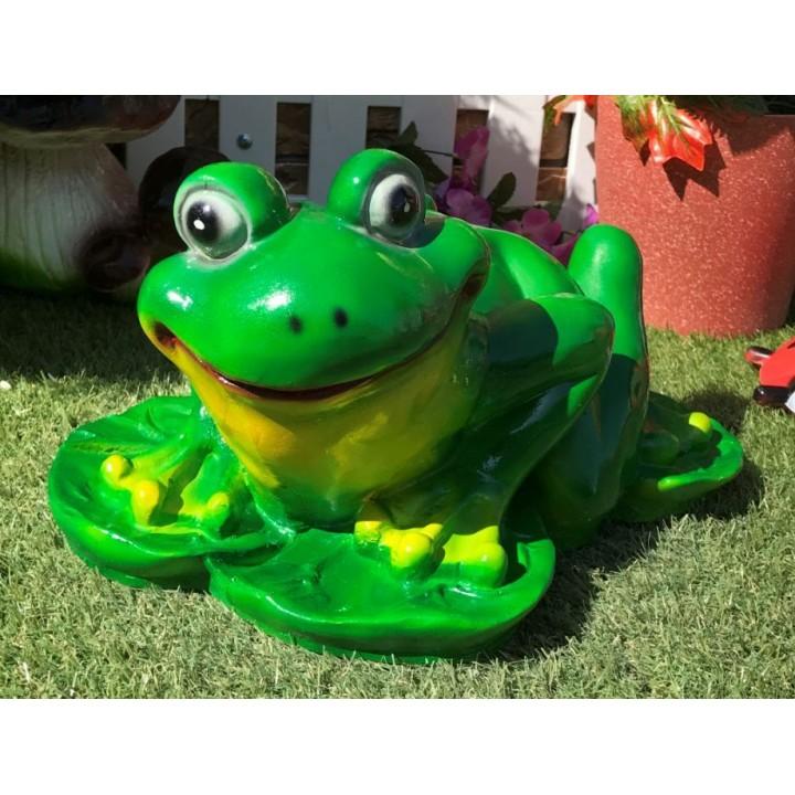 Садовая фигура лягушки