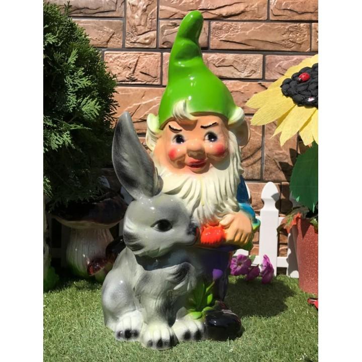 Садовый гном с зайцем